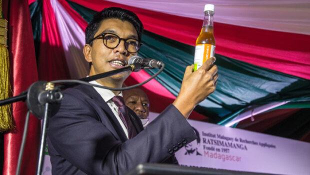 Madagascar: Remediu naturist pentru COVID-19 și scandalul intervențiilor abuzive ale Organizației Mondiale a Sănătății