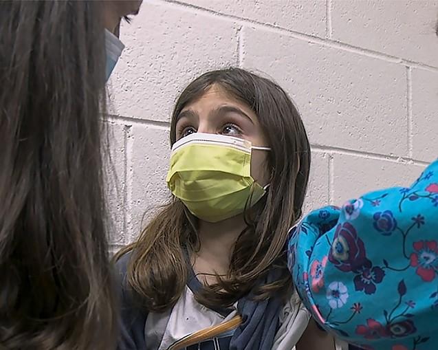 Vaccinații TRANSMIT prin secrețiile organismului proteina SPIKE, o toxină care poate afecta grav în primul rând copiii